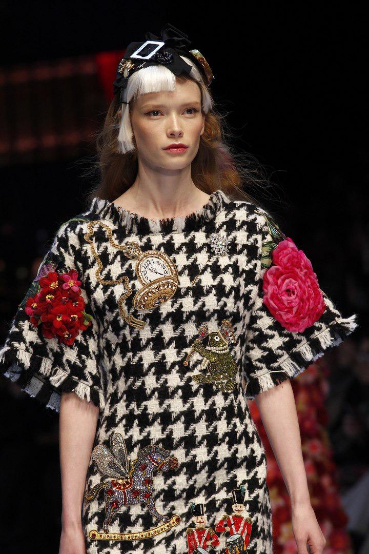 Россыпи роскоши в коллекции Dolce&Gabbana весна 2016 — шикарные детали и аксессуары
