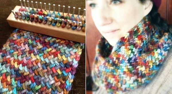Соткала новый шарф всего за 40 минут на ручном станке, который изготовила сама!