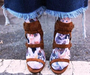 Как правильно носить яркие носки — самые вдохновляющие примеры сочетаний из фэшн-блогов