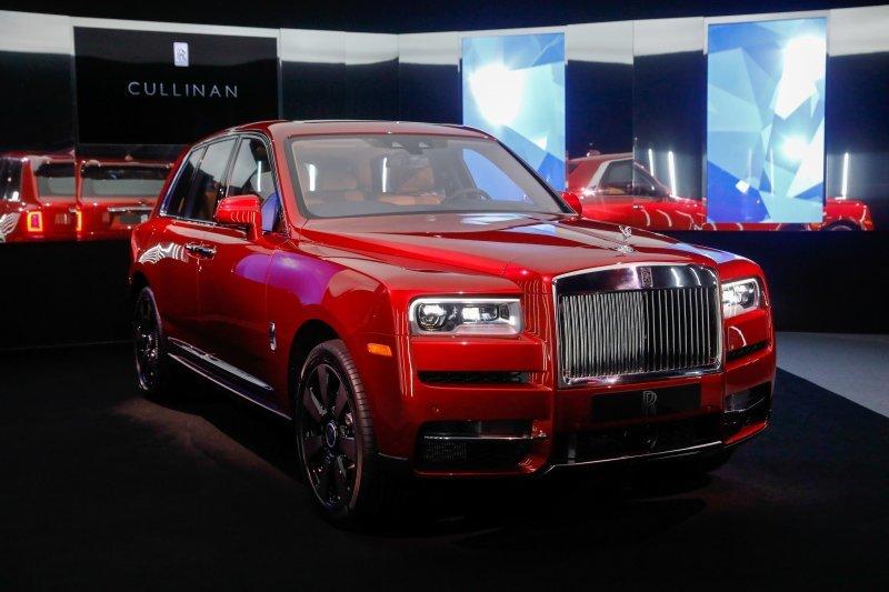 Rolls-Royce Cullinan: что нужно знать о самом роскошном внедорожнике в мире