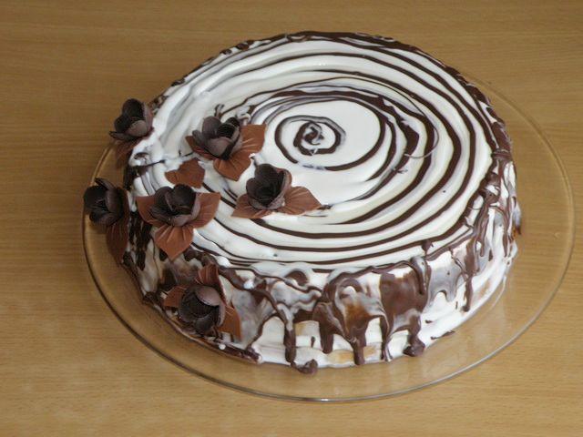 торт Трухлявый пень. Украшаем торт