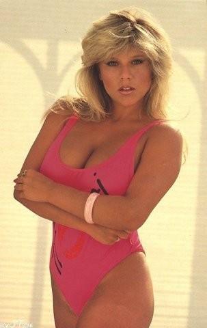 Секс-символы 90-ых: Саманта Фокс.