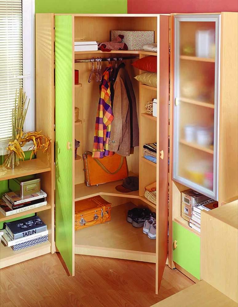 Фото угловые детские шкафы dark brown hairs.