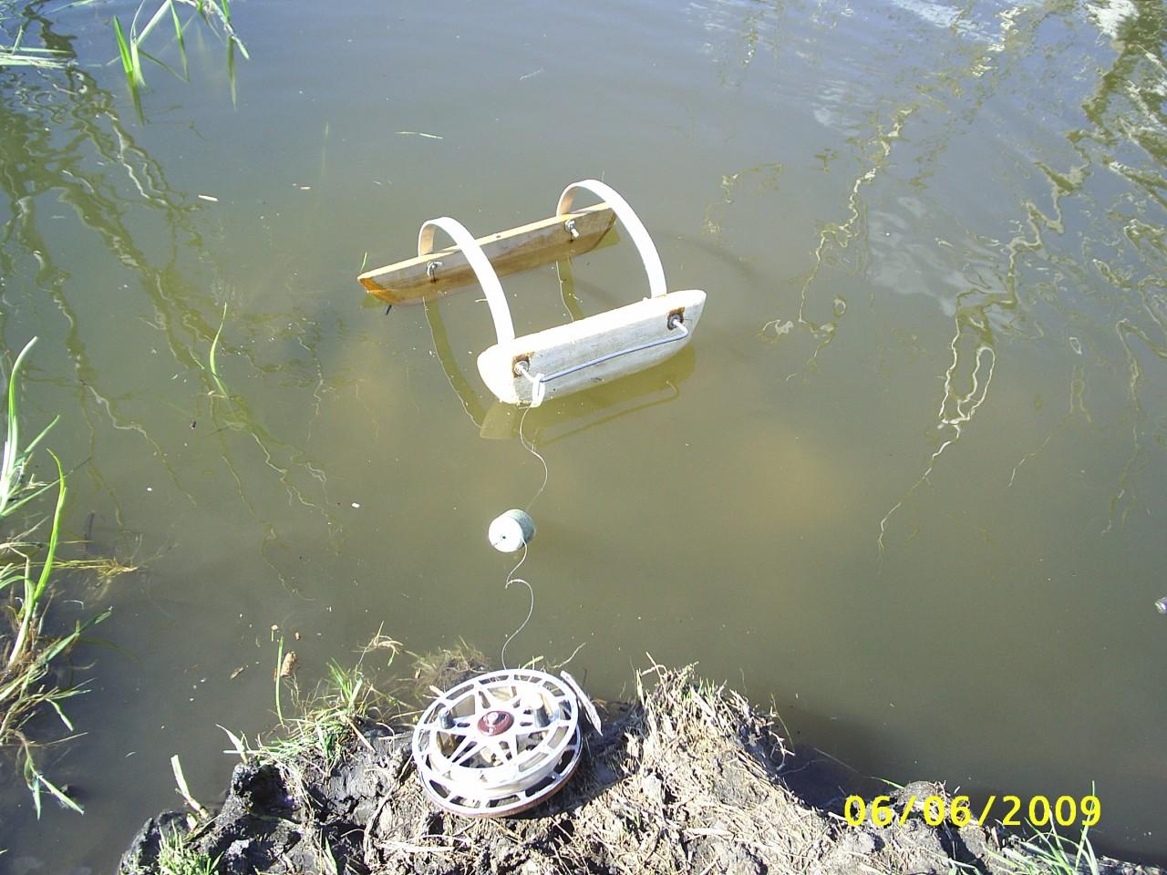 Как и из чего сделать кораблик для рыбалки