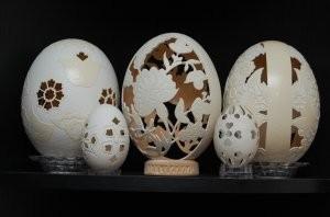 страусиные гусиные яйца /резьба/