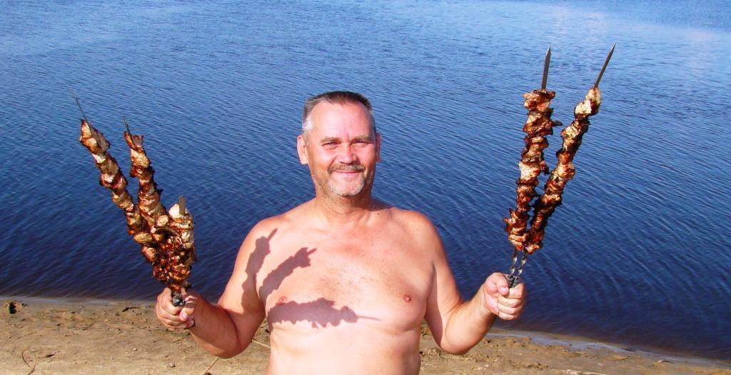 мужчина любящий рыбалку