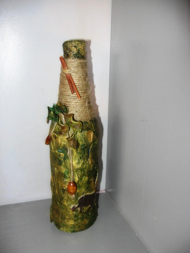 Декор бутылки газетой