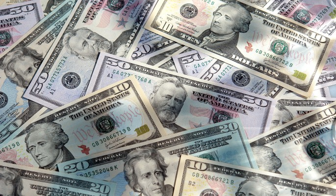 Доллар превращается в рисковый актив