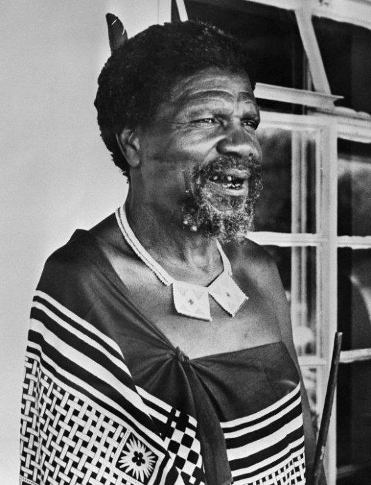 Король Собуза II - правитель Свазиленда. | Фото: static-ssl.businessinsider.com.