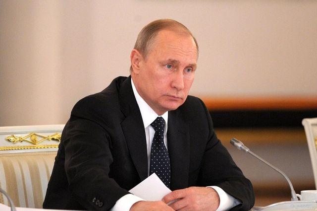Путин предложил по три кандидатуры на посты глав КЧР и Северной Осетии