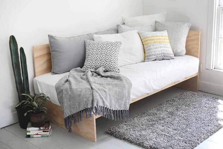 Стильный диван из фанеры, который вы сделаете за 1 день!