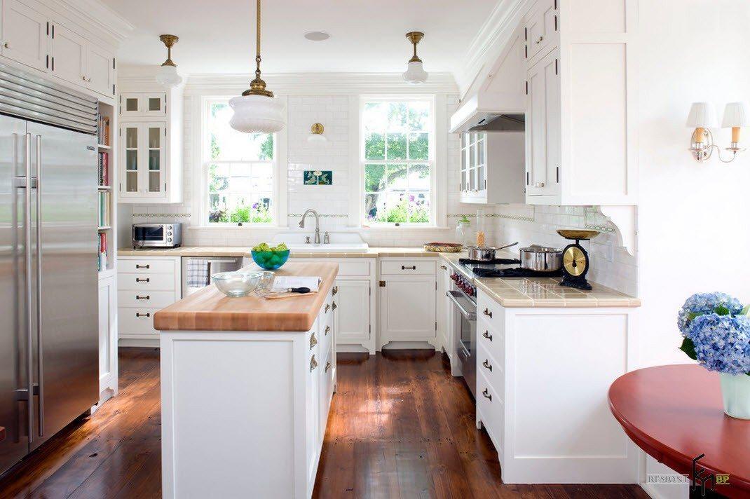 Белоснежная и просторная кухня