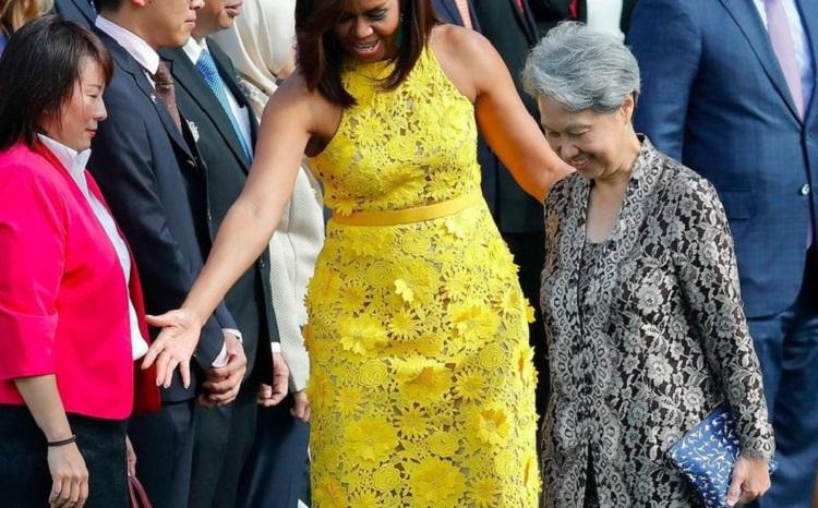 Первая леди Сингапура пришла на прием Мишель Обамы с этим. Смелый шаг...
