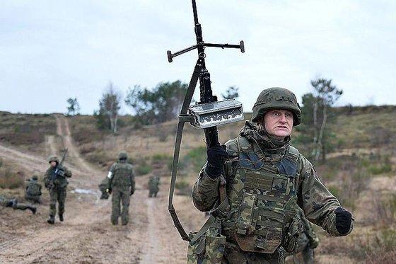 Генсек НАТО: Россия не враг, но ее нужно взять на прицел