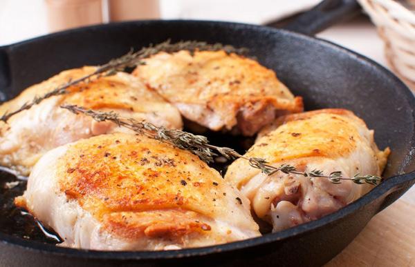 6 блюд, которые лучше готовить в чугунной посуде