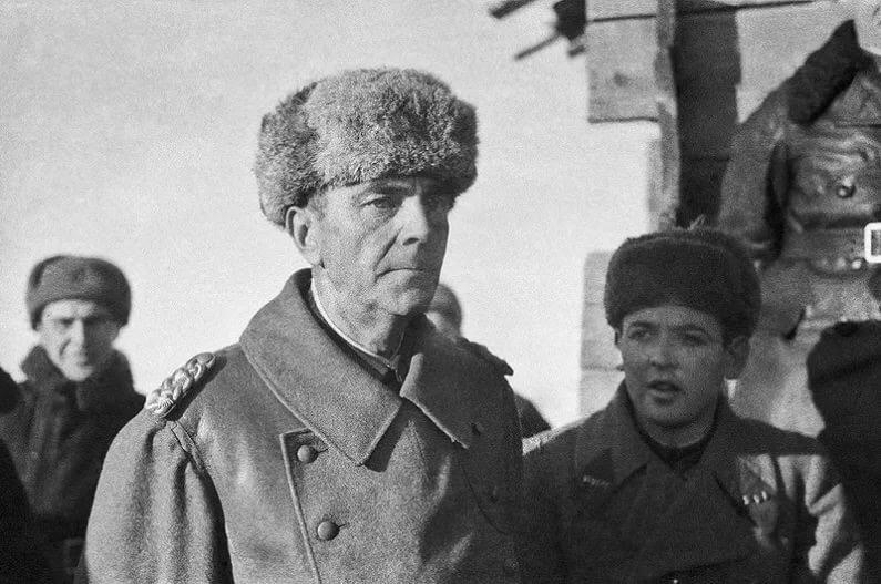 Всех с 75-летием капитуляции фельдмаршала Паулюса(стеб)