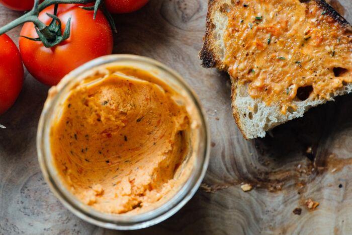 Масло из помидоров.  Фото: pinterest.com.