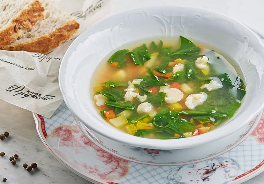 Легкий суп из свежих овощей