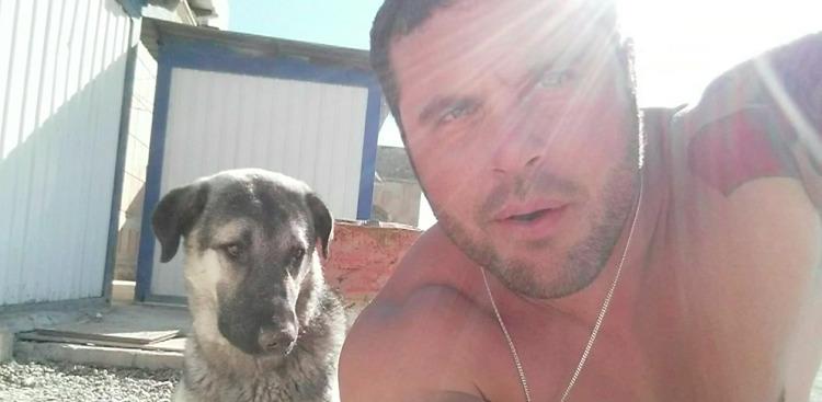 Бывший военный должен был оставить свою собаку в Ираке. Только через месяц произошла их встреча