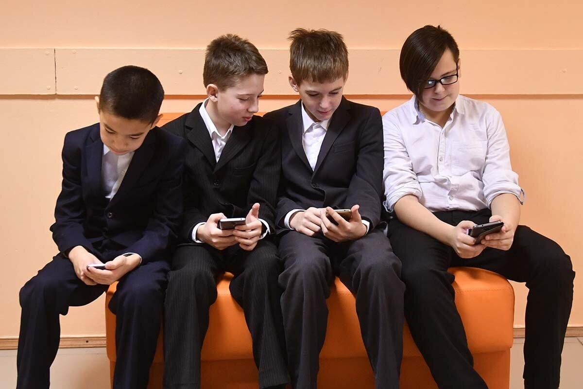 На данный момент это обычная ситуация на школьных переменах. Фото: Михаил Фролов, источник kp-ru