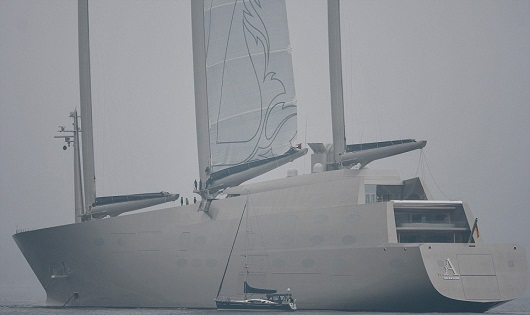 Крупнейшую вмире яхту русского олигарха арестовали вГибралтаре