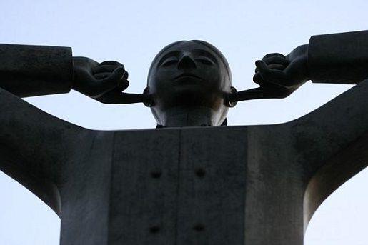 «Моя девятиэтажка с краю…»: Настроения в Киеве — как они есть