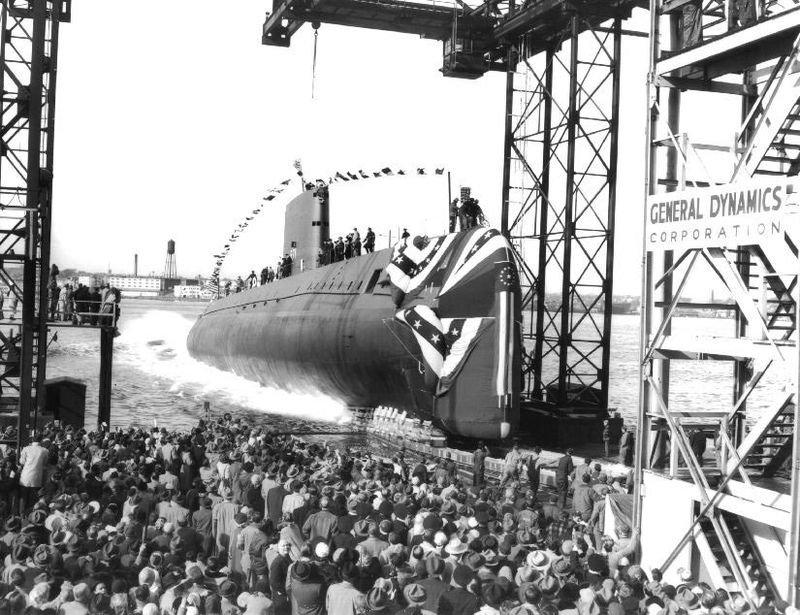 первая атомная подводная лодка сша называлась