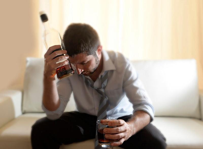 Закон жизни в семье алкоголика: если ты не позаботишься о себе сам, то никто о тебе не позаботится
