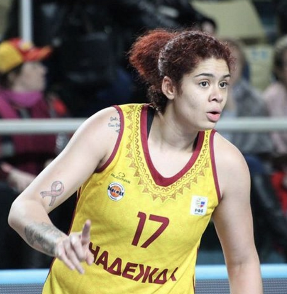 Центровой спортсменке Аманде  изменили фамилию в баскетбольном клубе Оренбурга