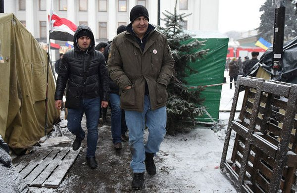 Саакашвили задержан со второй попытки и помещен в изолятор СБУ - Луценко