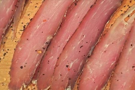 Фото к рецепту: Вяленое мясо или балык
