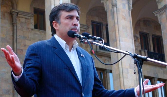 Вскрылось темное прошлое бегавшего по крышам Саакашвили