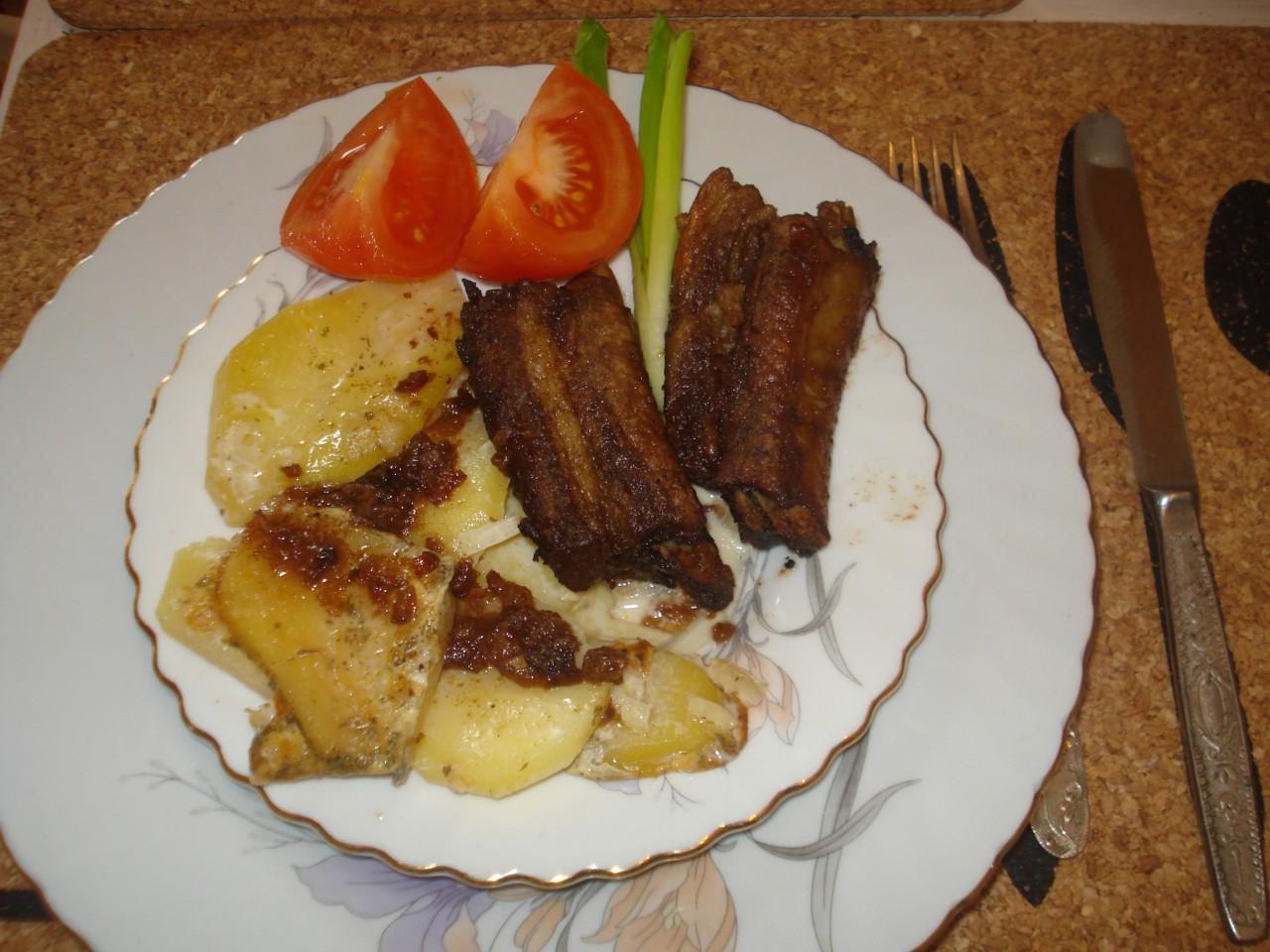 Свиные ребрышки запеченные - русская кухня