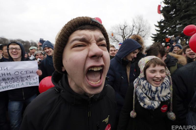 Путинский режим закрывает рот молодежи и будущему этой страны
