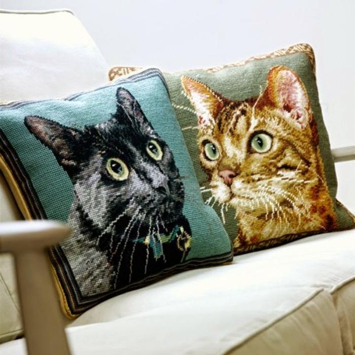 """Гобеленовая вышивка: """"Диванные подушки от Chelsea Textiles"""""""