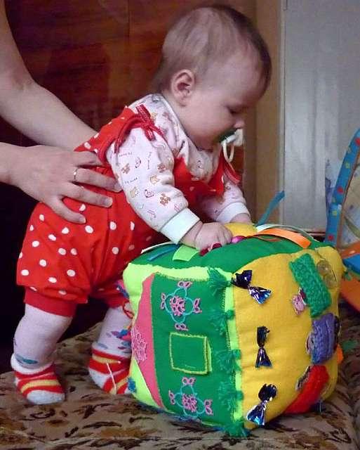 Развивающие игры своими руками для детей до года