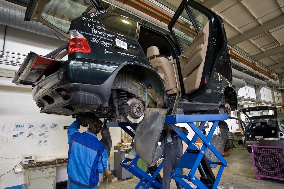 Утилизация BMW на видео
