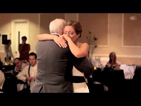 Отец умер прямо перед свадьбой своей дочери. А когда на свадьбе объявили танец невесты и папы, она чуть в обморок не упала!