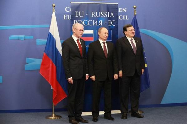 Решение США изменило приоритеты Европы: торговая война с Вашингтоном помирит ЕС с Россией – СМИ