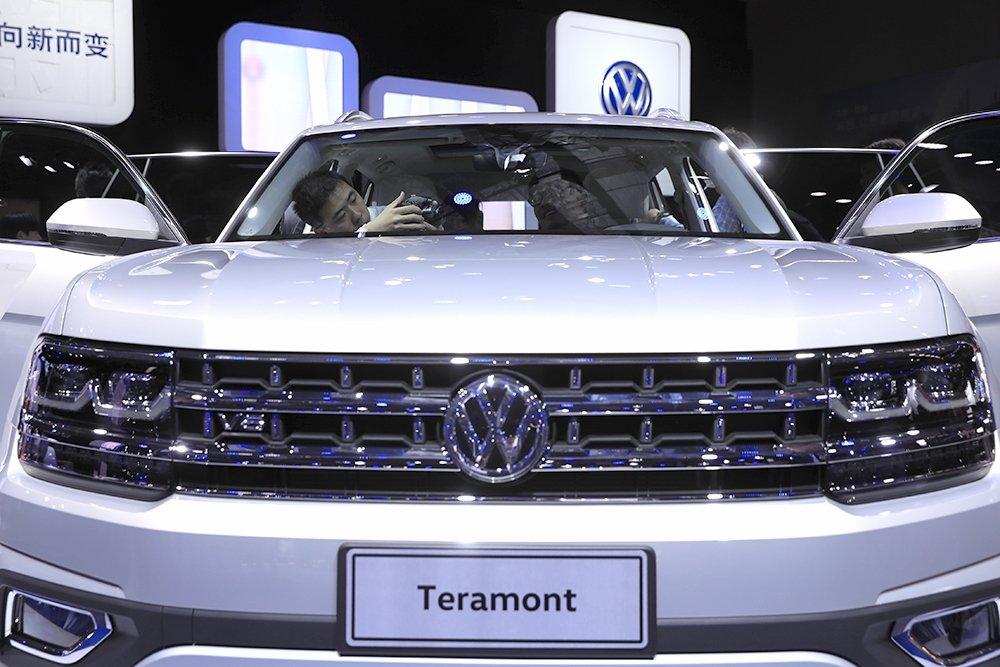 Самый большой от Volkswagen: внедорожник Teramont скоро будет в России