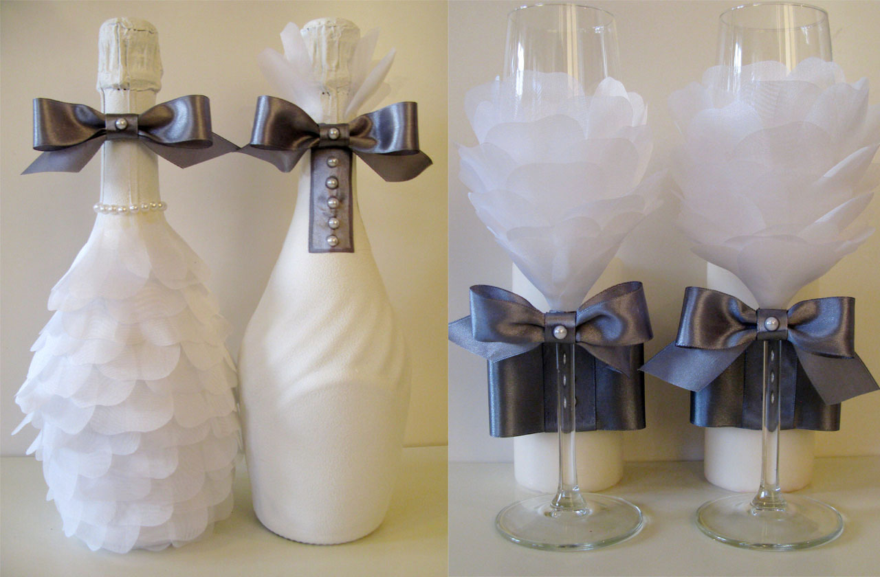 Серо-белый декор бутылок на свадьбу
