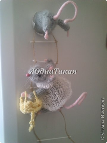 Мастер-класс Поделка изделие Вязание спицами Мастер класс Магнит Мышки-воришки Магниты Нитки Проволока фото 1