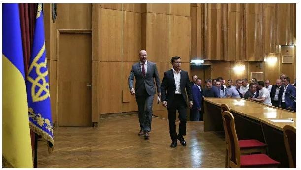 Запад бьет тревогу: олигархи на Украине вновь рвутся к власти. Ирина Алкснис