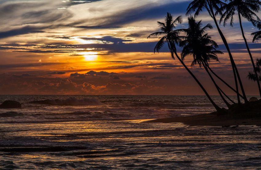 Потрясающе красивый закат на Шри-Ланке закат, шри-ланка, океан, тропики, пляж, путешествия, фото