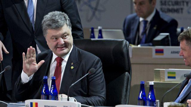 Порошенко попросили запретить России летать в космос