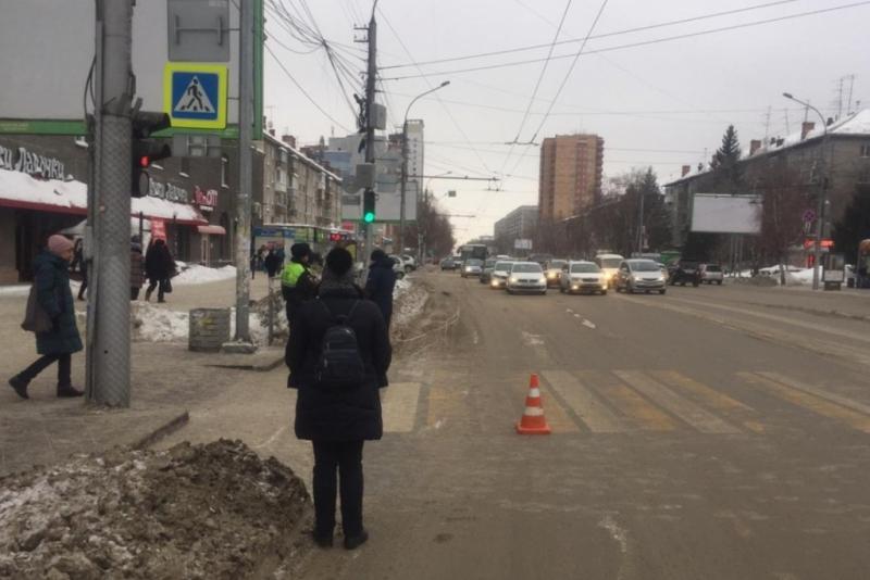В Новосибирске неизвестный водитель сбил на «зебре» 9-летнего ребёнка: его ищет полиция