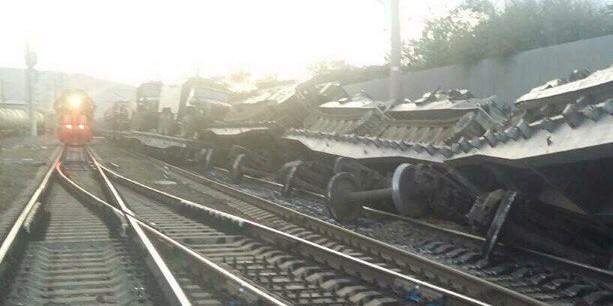 В Забайкальском крае сошел с рельсов поезд с танками