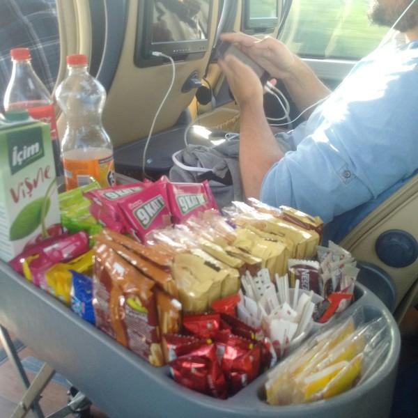 Вот такой сервис в автобусе