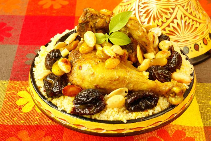Рецепт на ужин: тажин с курицей и орехами