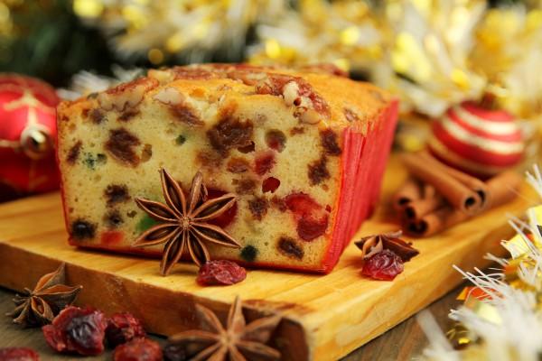 Рождественский хлеб с цукатами и орехами
